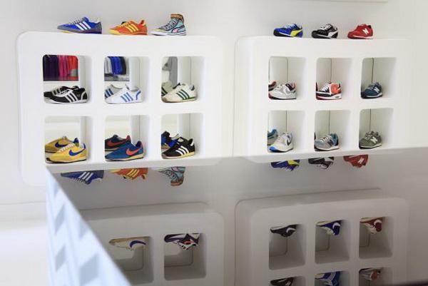 个性十足的布鲁塞尔Waffles运动鞋店面设计 鞋店设计 店面设计
