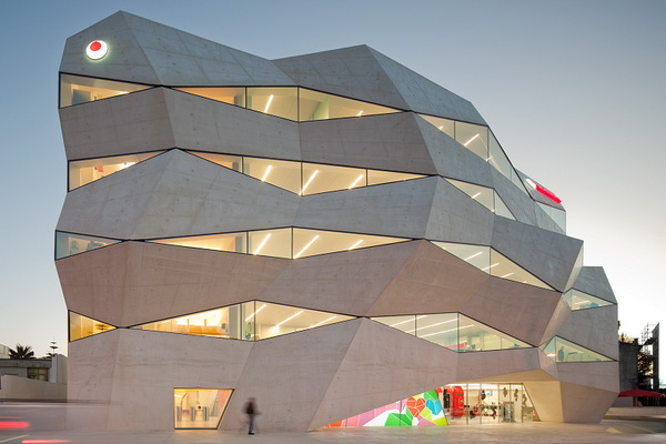 沃达丰(Vodafone)葡萄牙波尔图总部大厦 建筑设计 办公楼设计