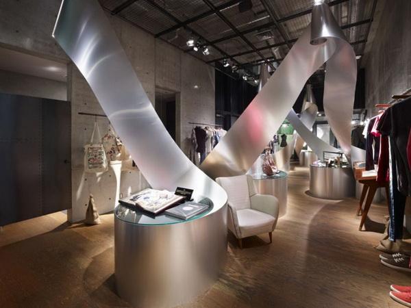 """东京青山Diesel限量产品展厅艺术装置设计之""""卷"""" 商业空间设计 精品店设计 概念店设计 展厅设计 商业空间设计"""