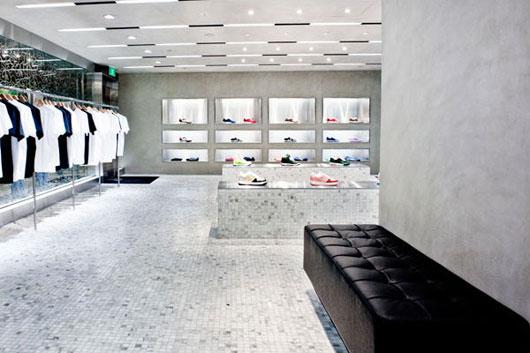 新加坡安逸猿(BAPE)专卖店设计 男装店设计 服装店设计 店面设计 专卖店设计