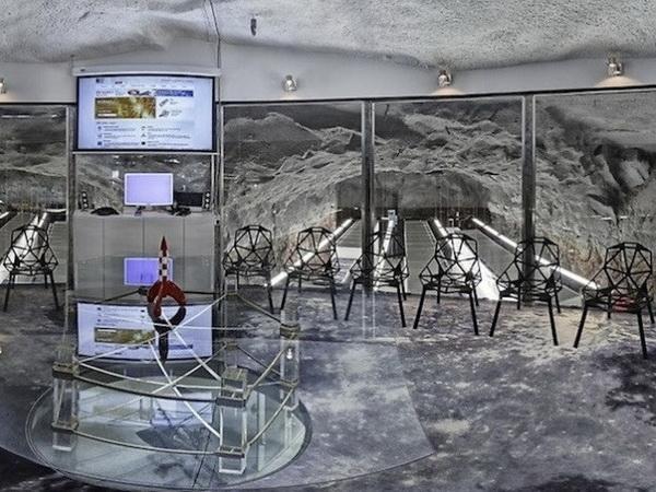 维基解密的秘密地下碉堡总部 办公空间设计 办公空间设计