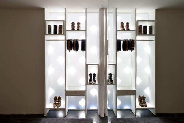 巴西卢尔德的一家针织服装专卖店设计 男装店设计 服装店设计 女装店设计 专卖店设计