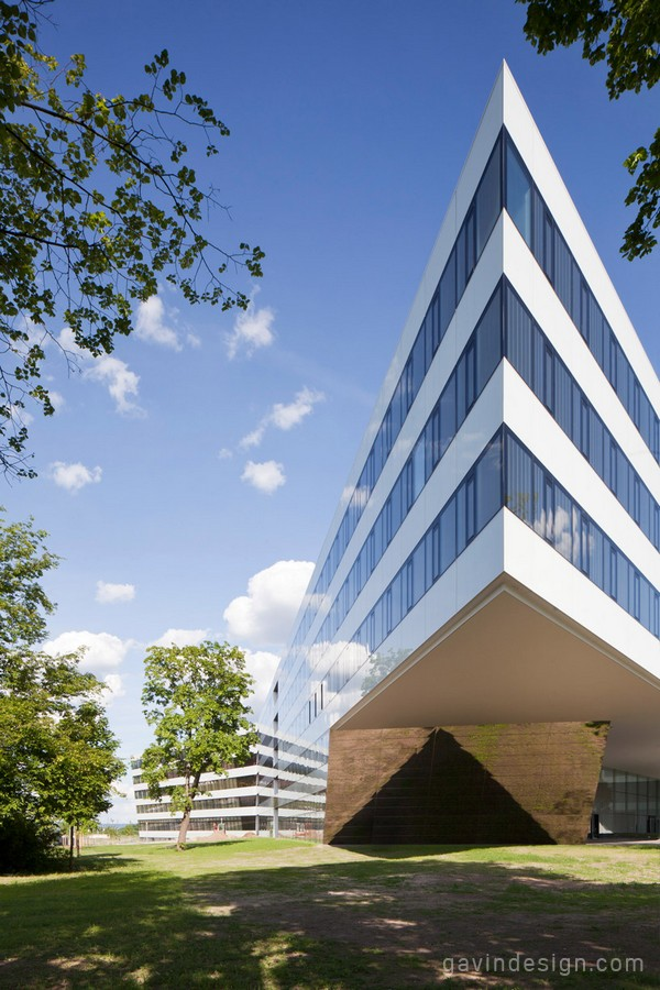 德国Herzogenaurach  Adidas总部办公楼设计 办公空间设计