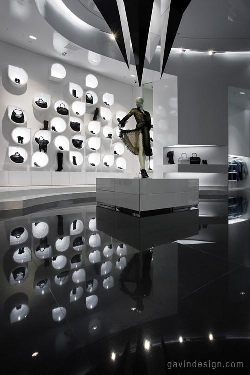 匈牙利达佩斯古的Capsula专卖店设计 女装店设计 专卖店设计