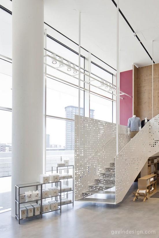 米兰Gae Aulenti广场MUJI店面设计 连锁店设计 商业空间设计 休闲服装店 专卖店设计