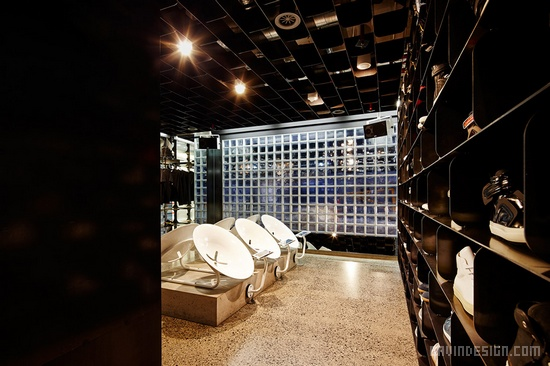 墨尔本Sneakerboy概念店设计 鞋店设计 澳大利亚 概念店设计 店面设计 商业空间设计