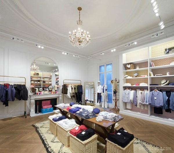 巴黎玛黑区 UNIQLO(优衣库)旗舰店设计 陈列设计 法国 旗舰店设计 商业空间设计 专卖店设计
