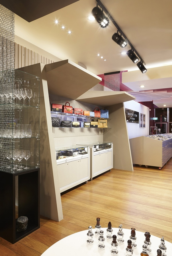 墨尔本 Napoleon Perdis Chapel 美容店设计 美容店设计 澳大利亚 概念店设计 旗舰店设计 商业空间设计