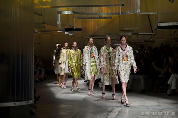 Prada 2016春夏女装秀T台设计 舞台设计 T台设计