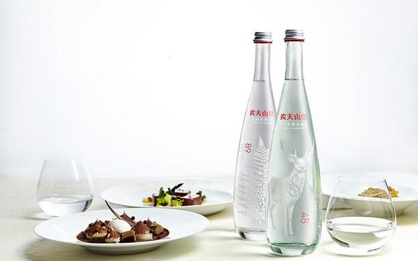 农夫山泉天然矿泉水包装设计 包装设计 中国