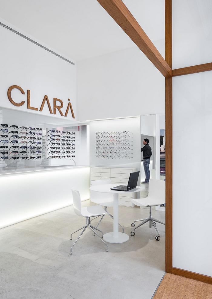 西班牙赫罗纳 Òptica Clarà 眼镜店设计 西班牙 眼镜店设计 店面设计 商业空间设计 专卖店设计