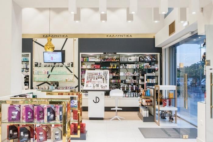 希腊罗兹岛 Fanouraki Aikaterini 药店设计 药店设计 店面设计 希腊 商业空间设计