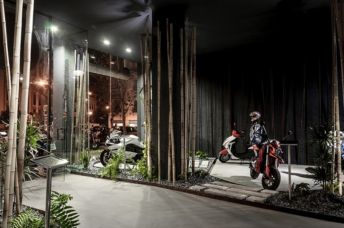 西班牙塞维利亚 Ecomobility 摩托车展厅设计 西班牙 展厅设计