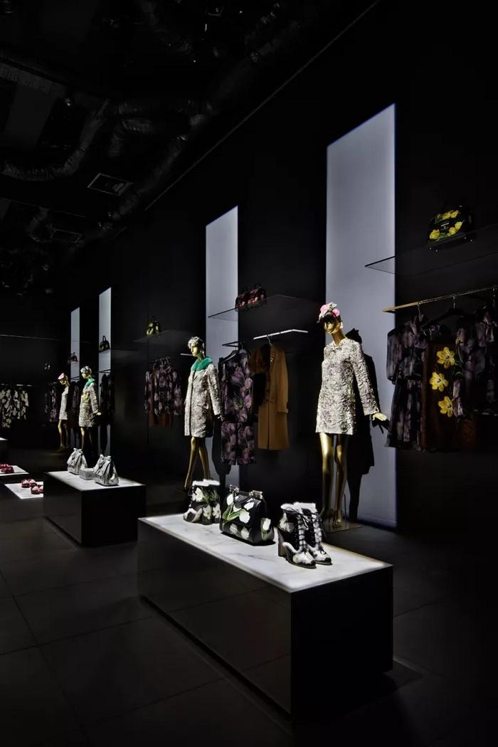 日本青山 Dolce & Gabbana 精品服装店设计 精品店设计 服装店设计 日本 店面设计 专卖店设计