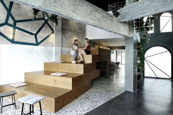 希腊卡瓦拉 Black Drop 咖啡店设计 希腊 咖啡店设计