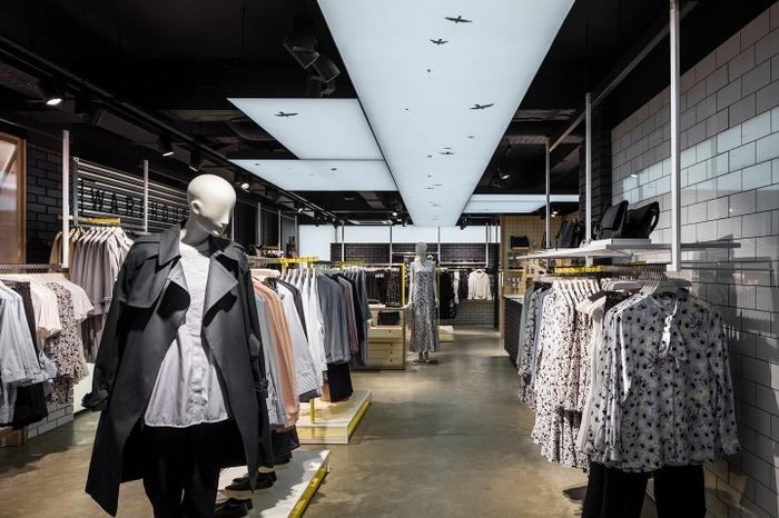 伦敦 Ware house 店面设计 英国 服装店设计 店面设计 商业空间设计 专卖店设计