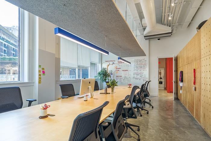 加拿大温哥华 THNK 公司办公室设计 加拿大 办公空间设计 办公室设计